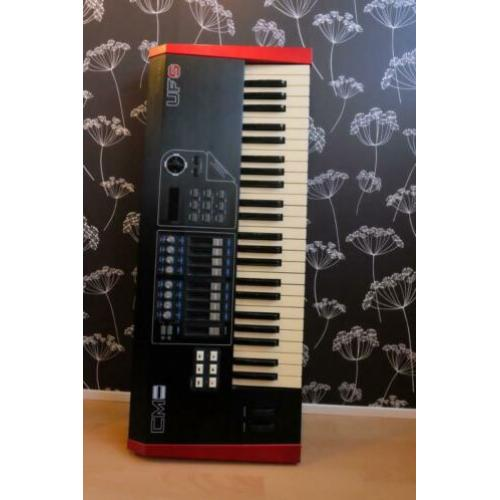 CME UF5 Midi workstation